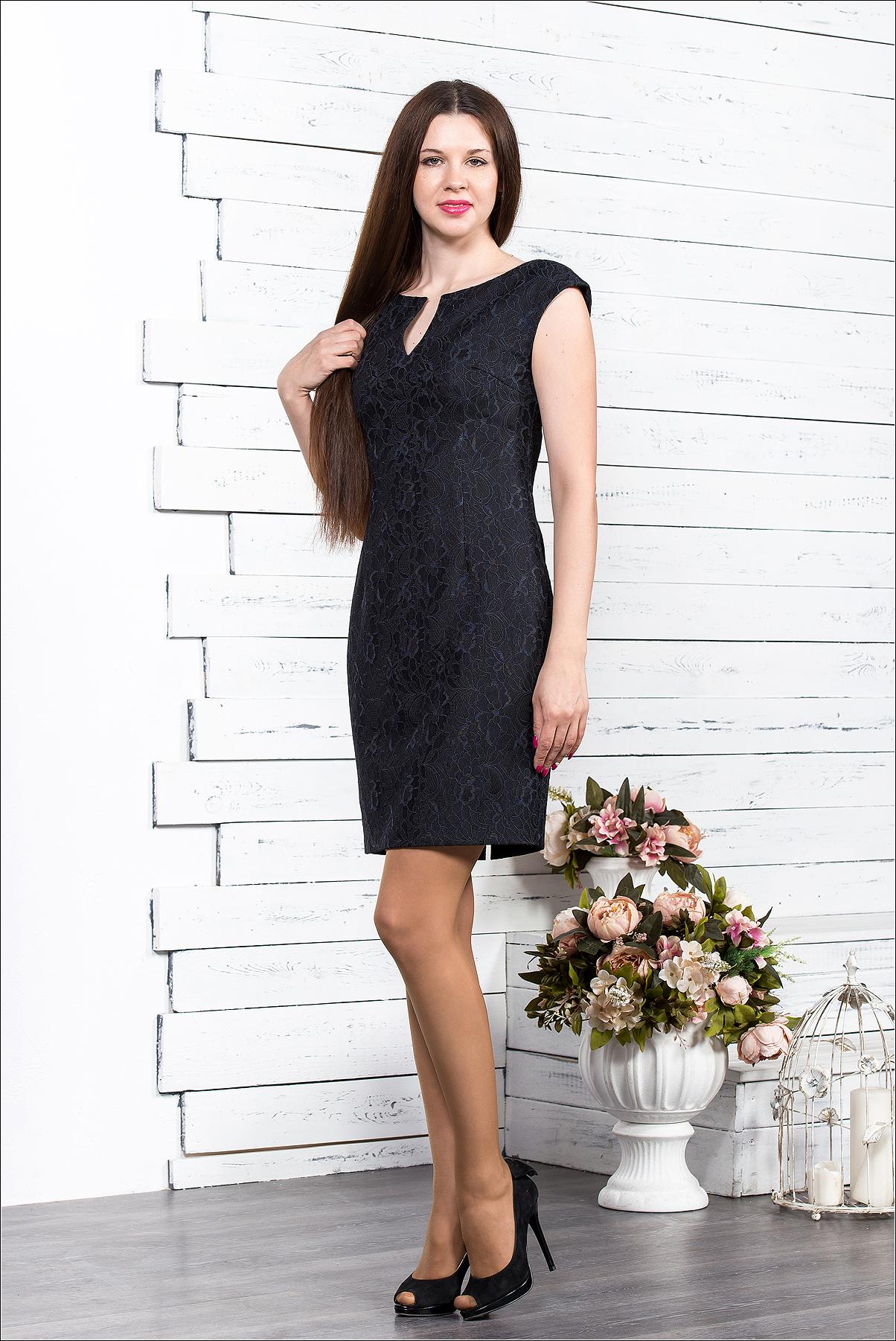 1b815f90e7c Платье из джерси с кружевом, вырез